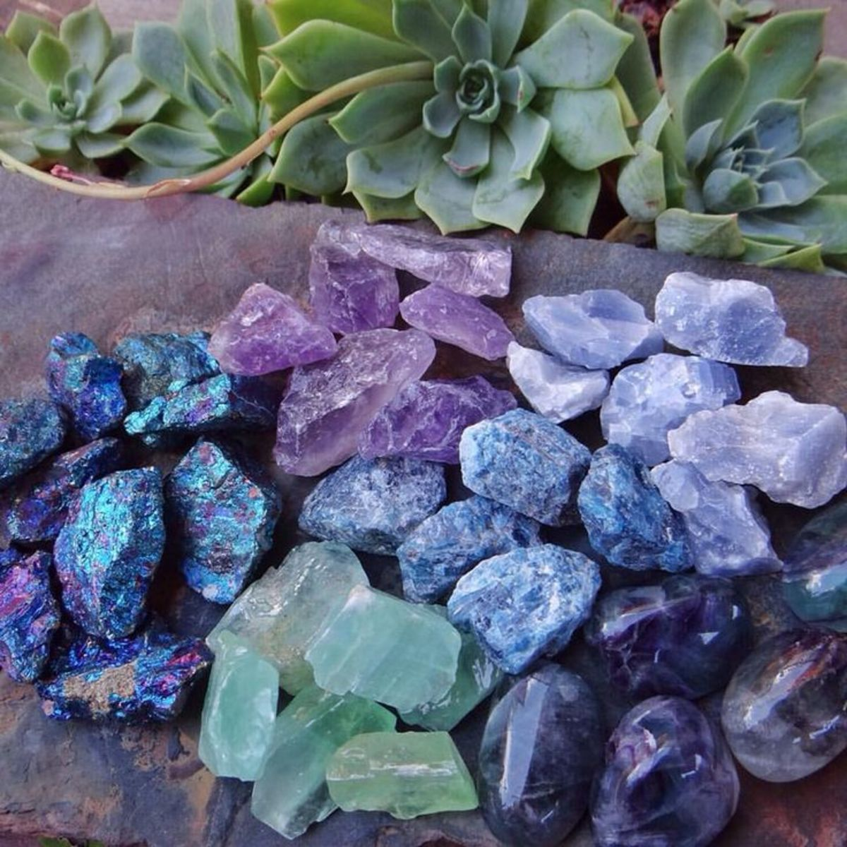 A List of Essential Crystals for the Beginner Witch