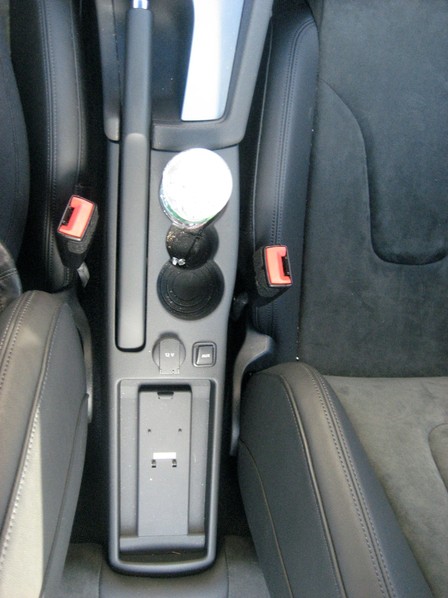 2008 Audi TT Interior- between the seats