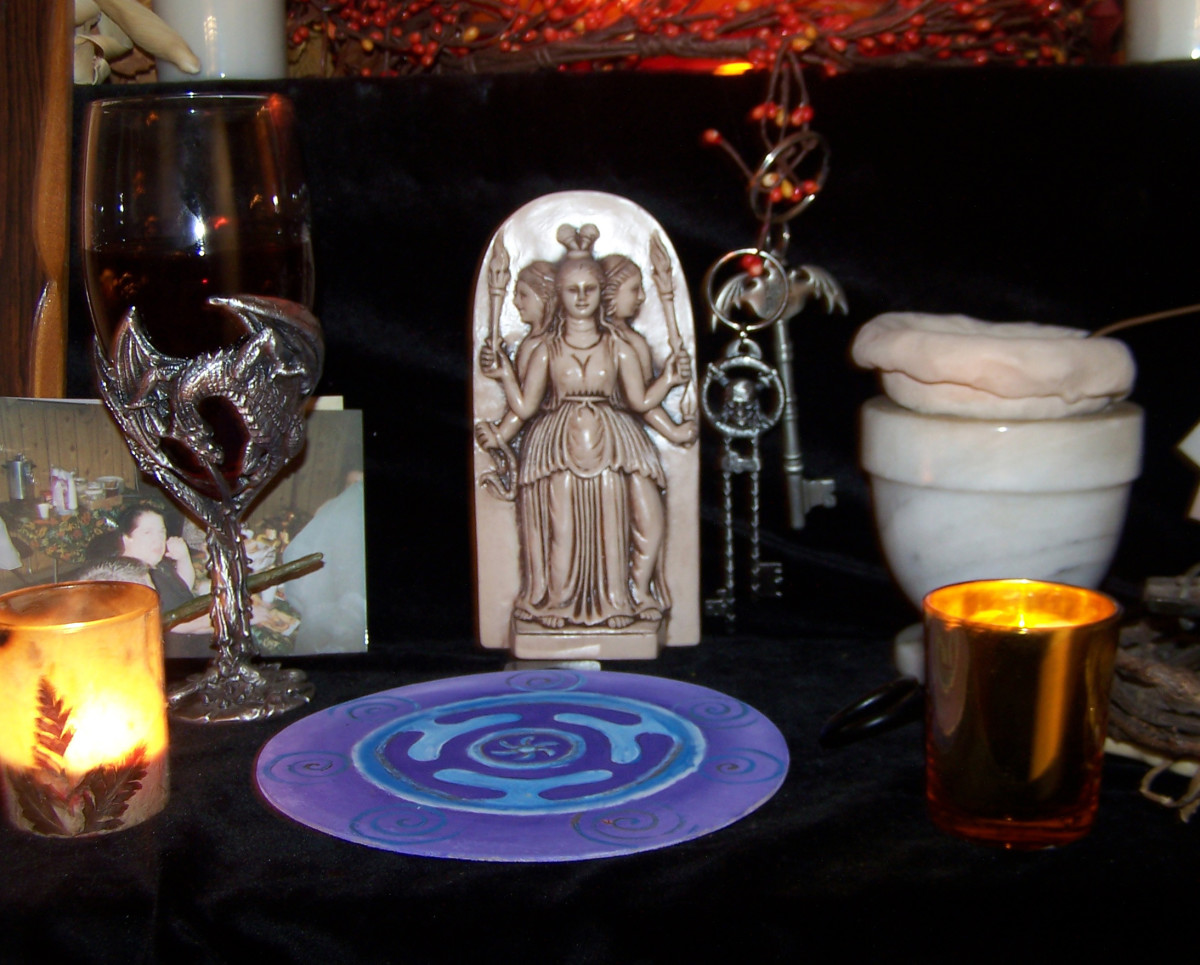 Hecate Samhain altar