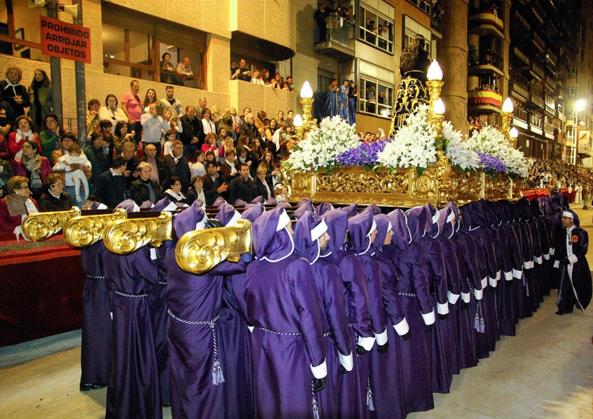 Holy Week Parade. After the parade and church service, the recipes in this article will be enjoyed by everyone in town.