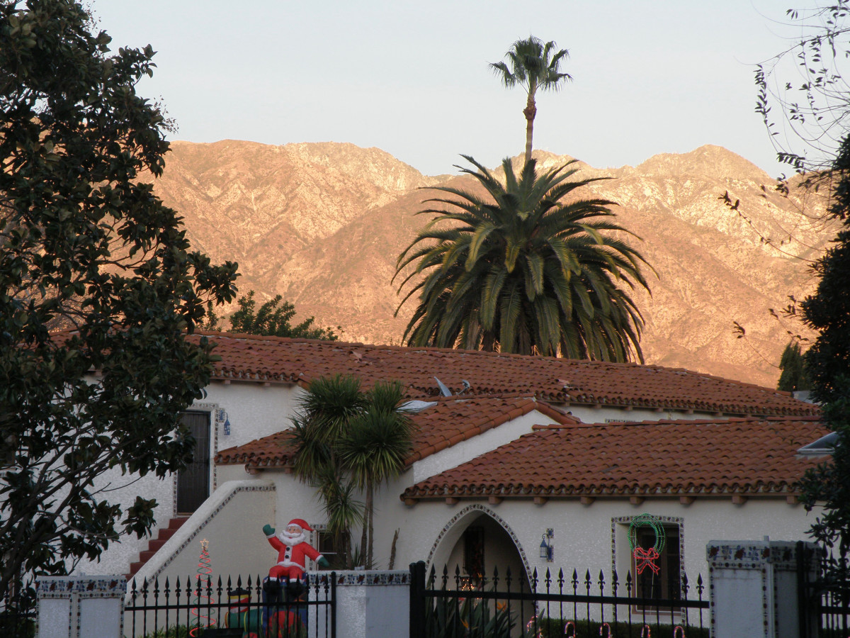The Pros and Cons of Living in Los Angeles, CA