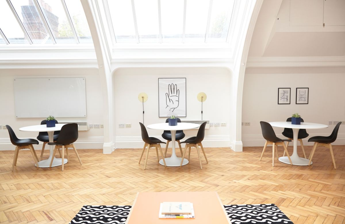 Skylight shades are a great way to bring light into a room without letting in the heat.