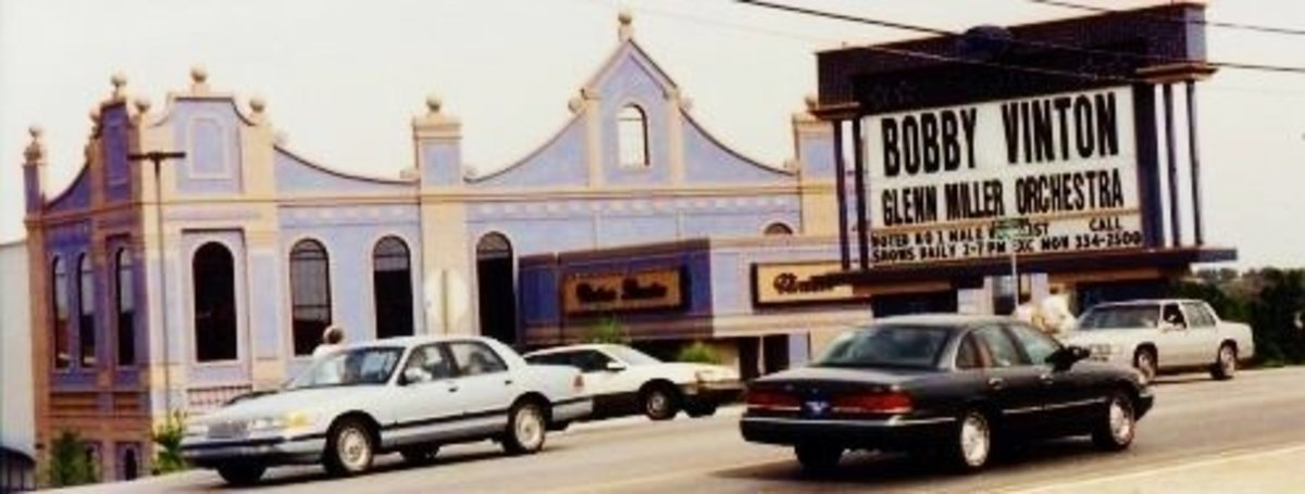 Bobby Vinton's Blue Velvet Theatre in Branson, Missouri with Photos & Videos