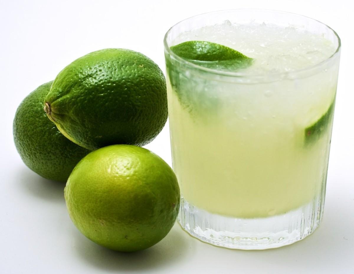 caipirinha and limes