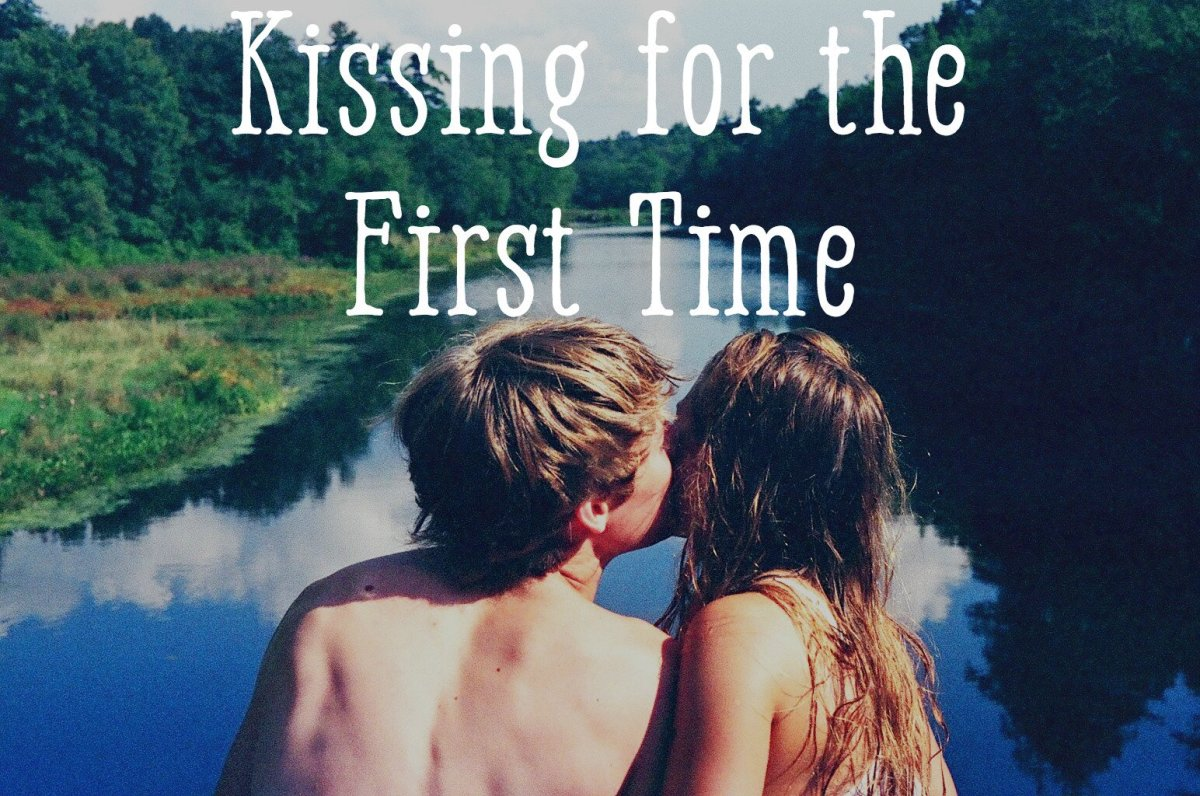 When should the first kiss be in hookup
