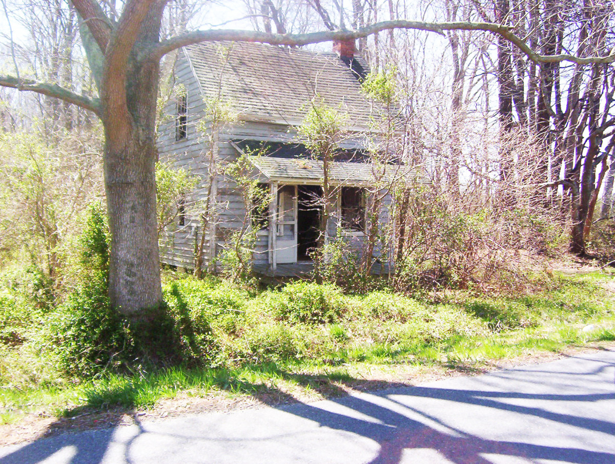 Poem - Abandoned Houses Forgotten Lives