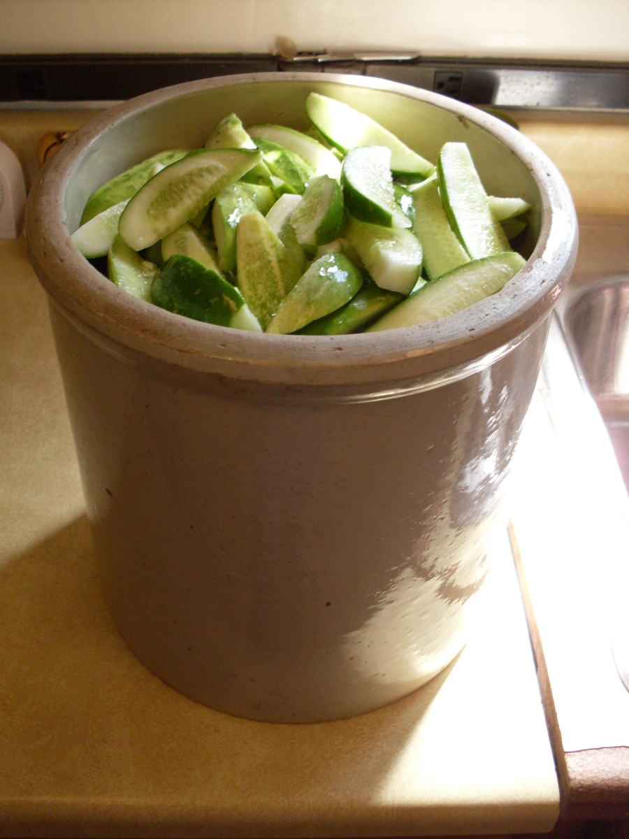 This is a two-gallon, old-fashioned pickling crock is just right for this project.