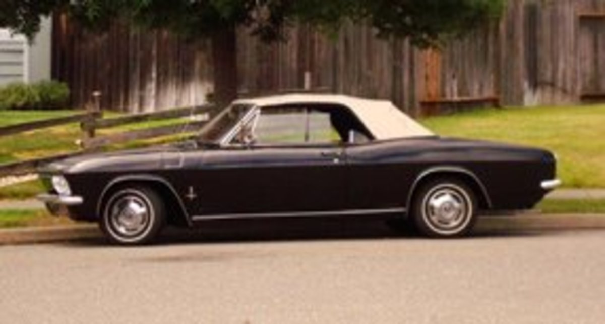 How to Distinguish a Corvair Corsa From a Corvair Monza