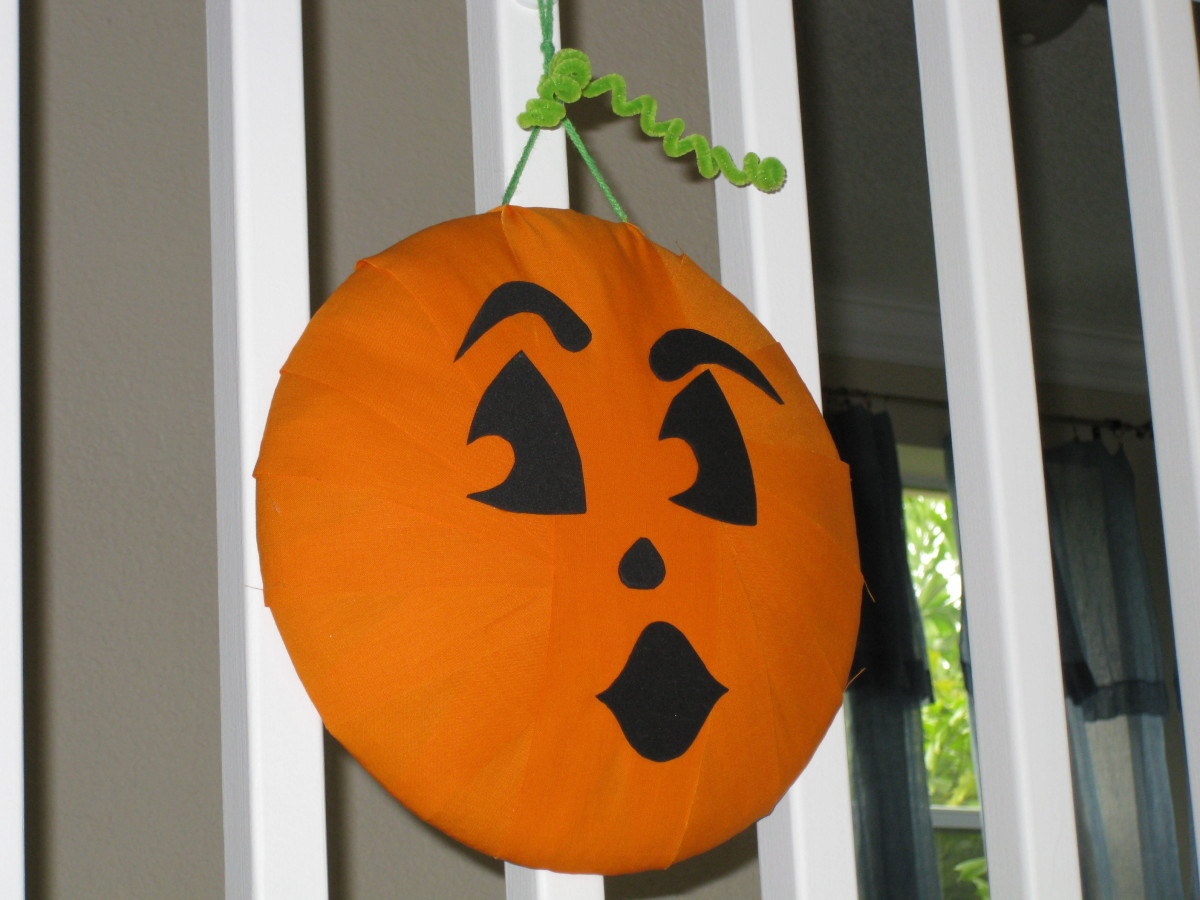 Homemade Halloween Décor - Pumpkin Wreaths Decorations and More