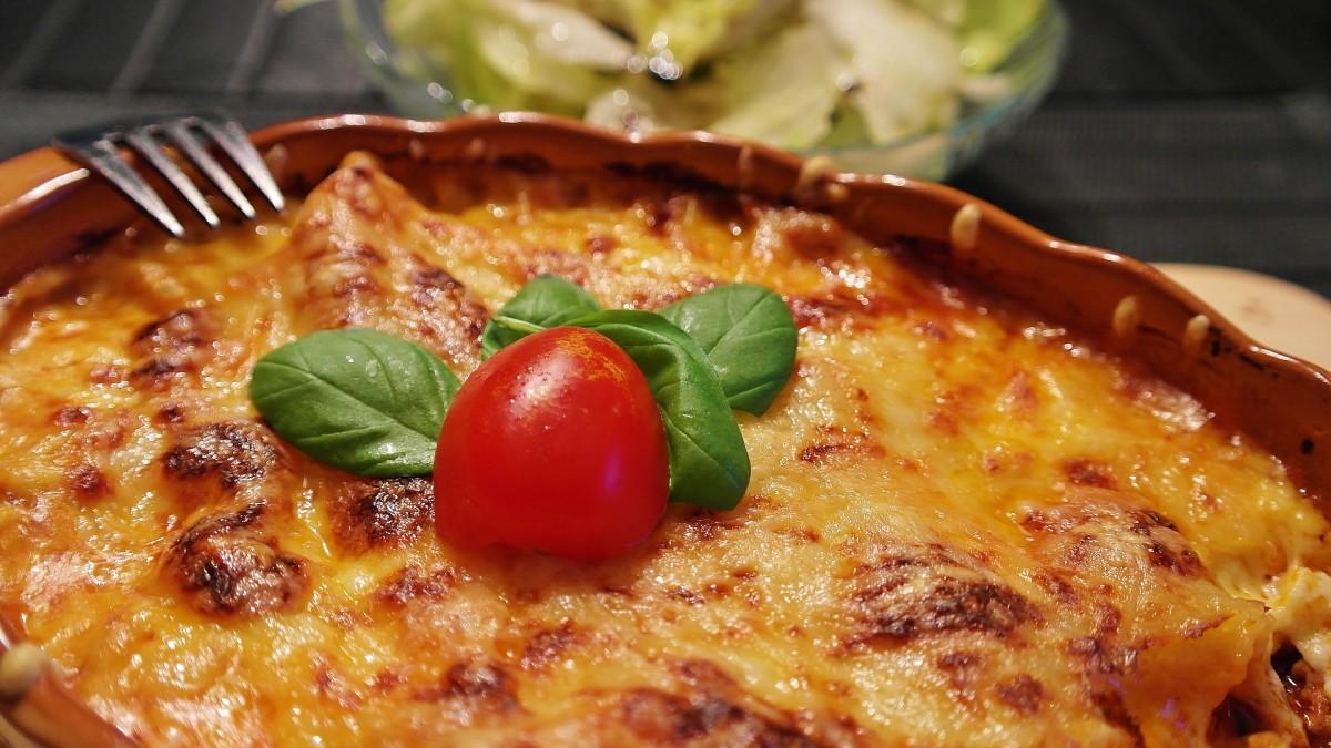 Easy cheesy party lasagna