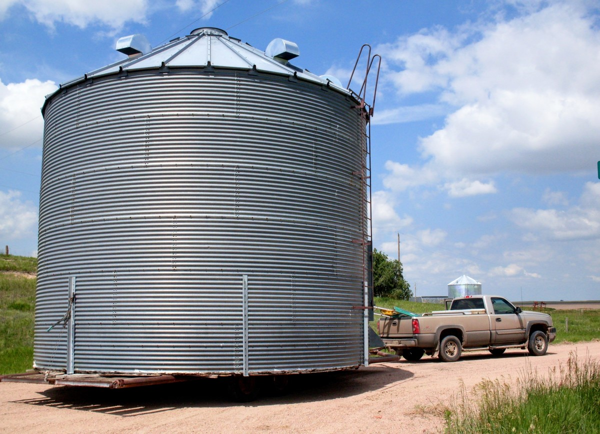 A short-distance, minimal-tear-down grain bin move on which my husband and I assisted.