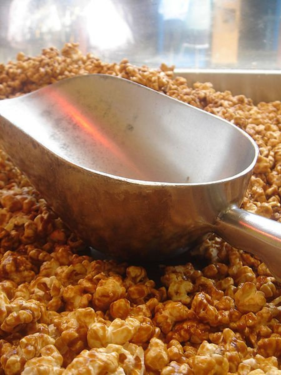 Easy Homemade Amish Caramel Corn Recipe