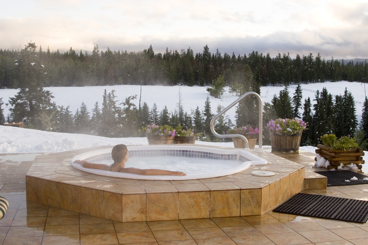 The Hot Tub Guru: Free Advice for First-Time Buyers