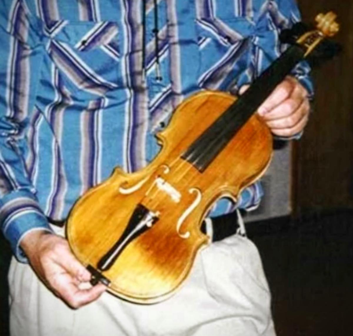 My Golden Fiddle: Homemade Violin