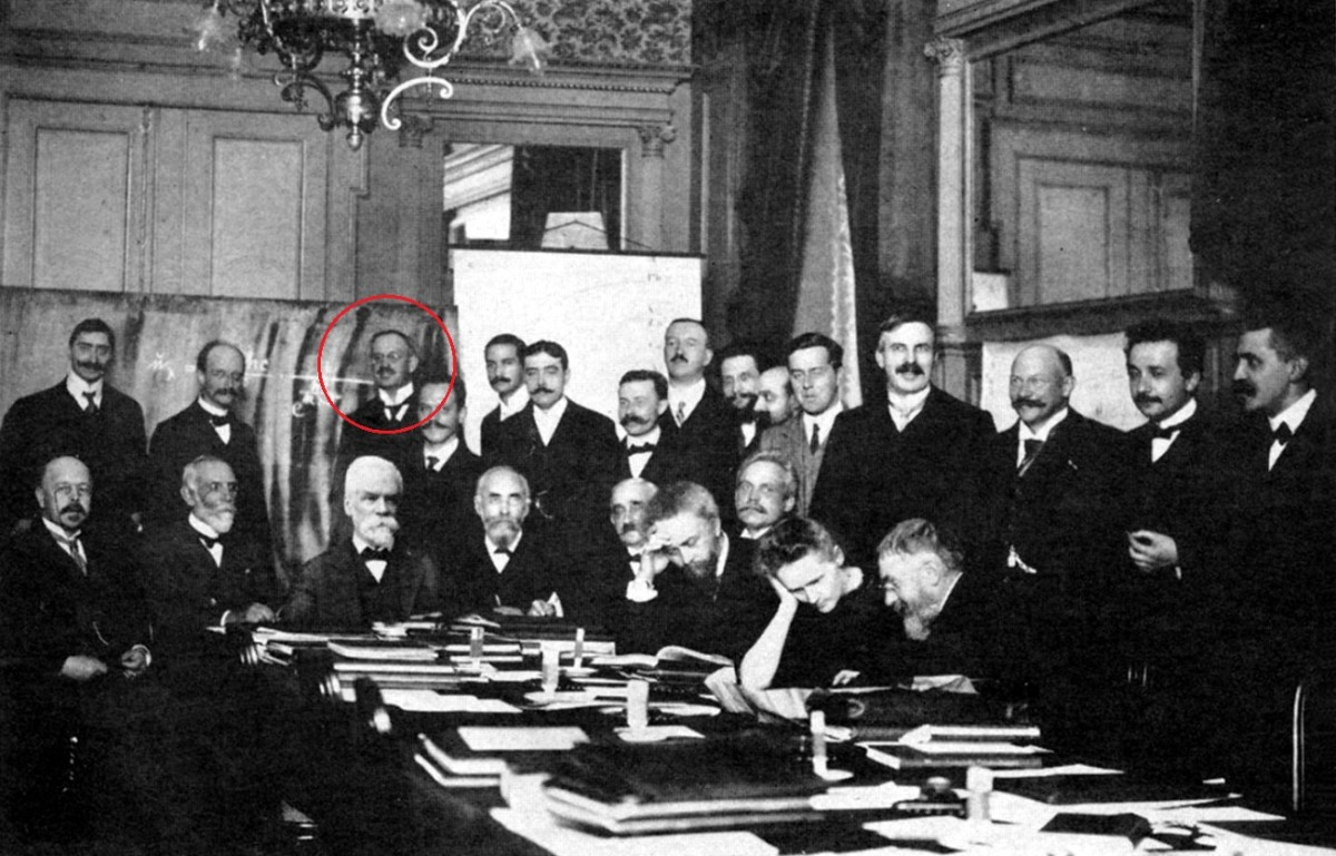 Heinrich Rubens (circled) at the first Solway conference (1911)