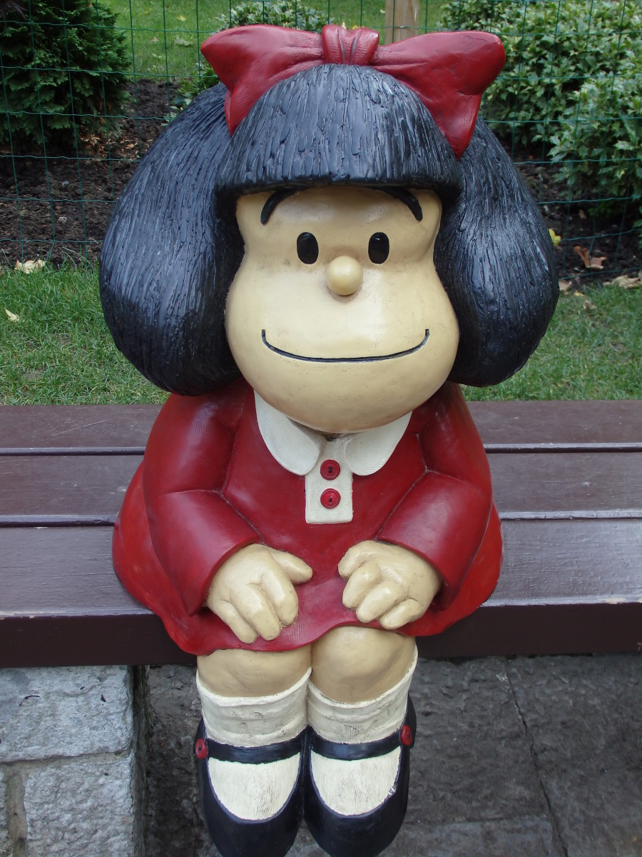 A Mafalda statue at a park in Oviedo, Spain.