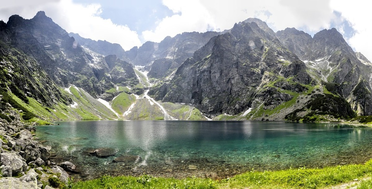 The Polish Tatra Mountains: Trail Descriptions for Intermediate-Level Hikers