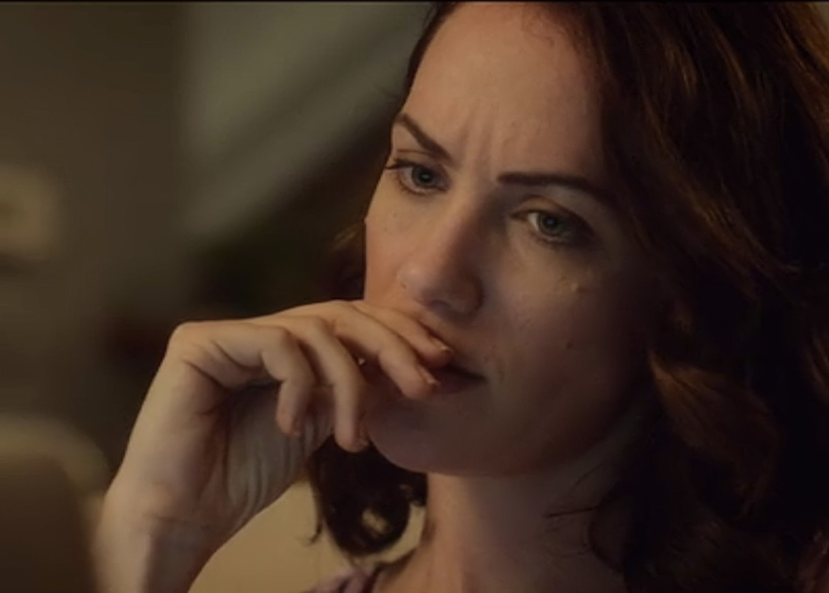 Kate Siegel as Maddie Young in 'Hush' (2016) on Netflix.