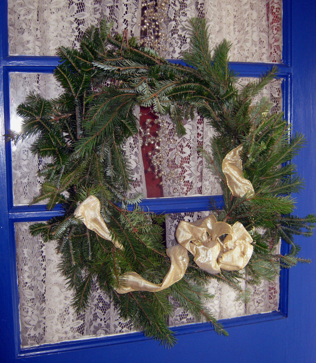 How to Make an Evergreen Christmas Wreath