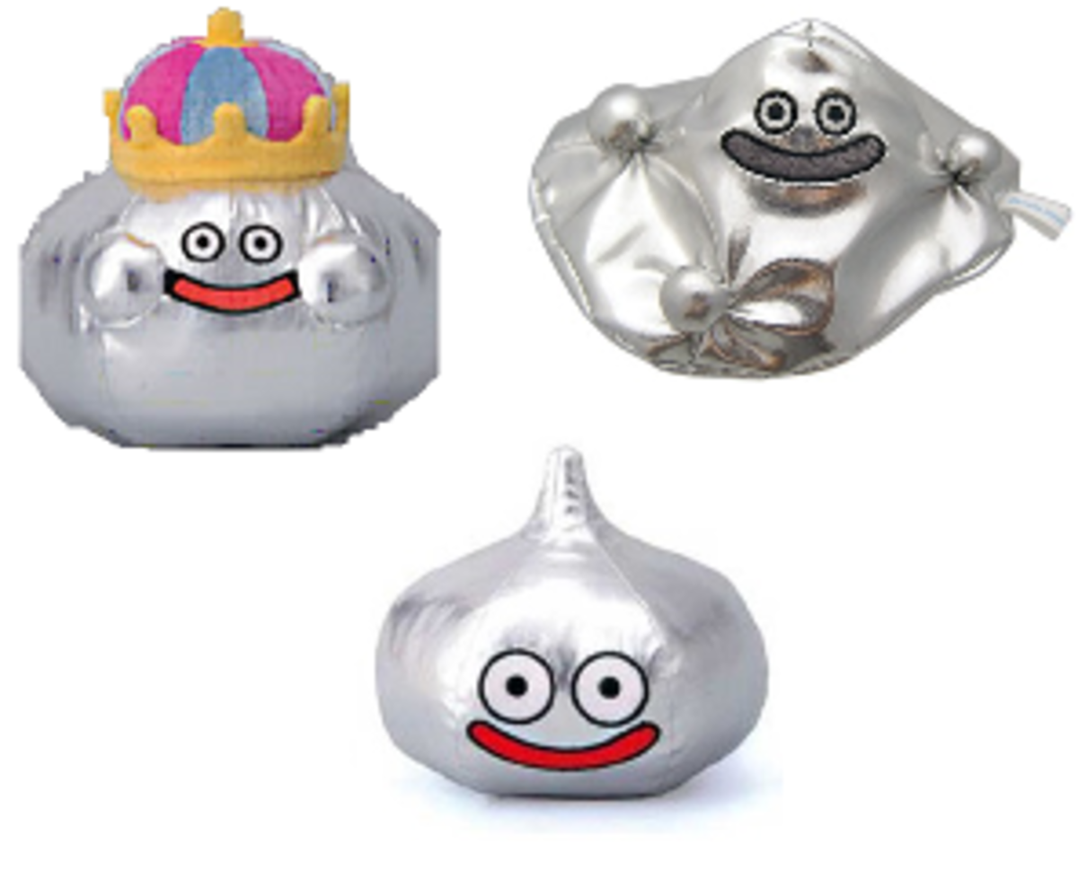 Plushies of the Metal Slimes found in many of the games of the Dragon Quest series. Don't you just want one now? :P