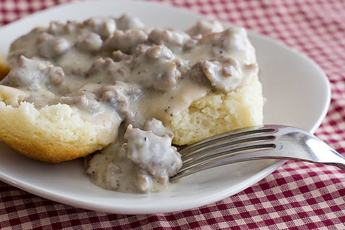 Perfect Southern Sausage Gravy Recipe - How to Make Sausage Gravy