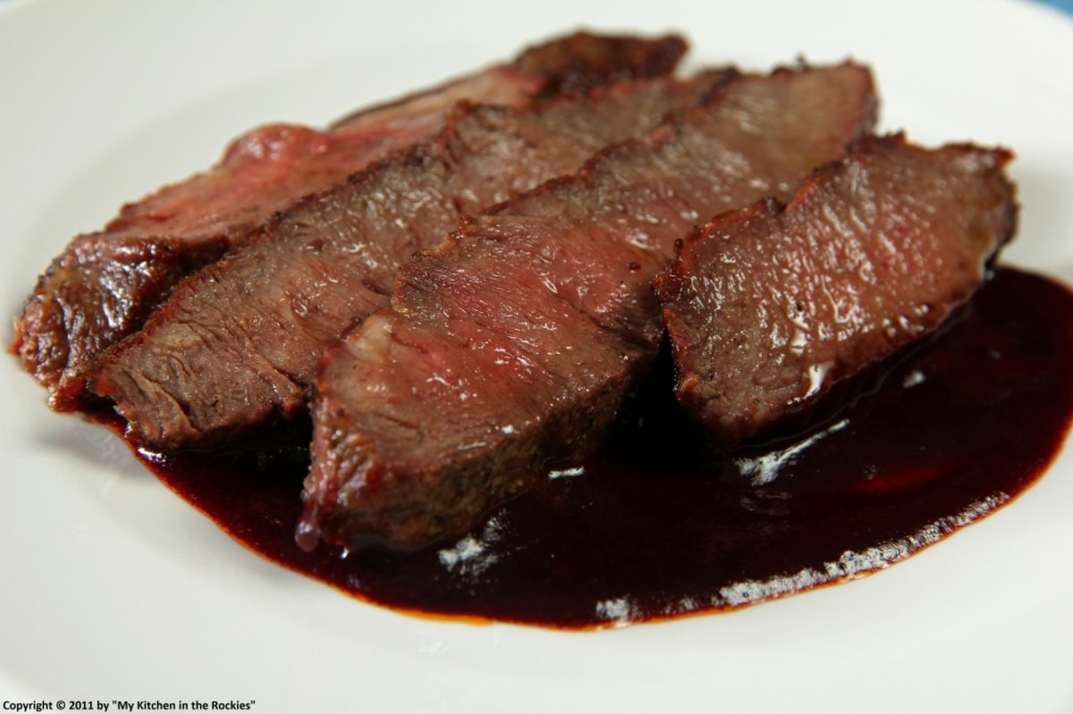 Red Wine Vinegar, Shallot, and Garlic Reduction Sauce for Steaks