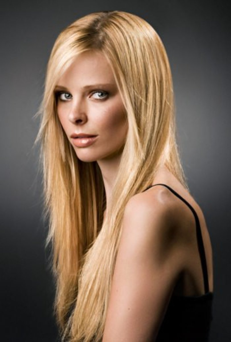 This model has fine, thick hair.  The ends are flowy and soft, but she still has enough hair to look good long. Those with fine, thin hair look better with short, medium length hair.