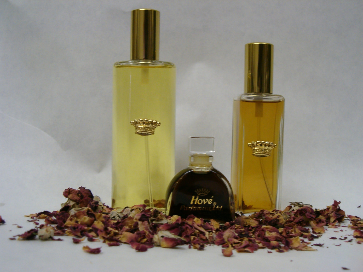 Hové Crown Perfume Bottles
