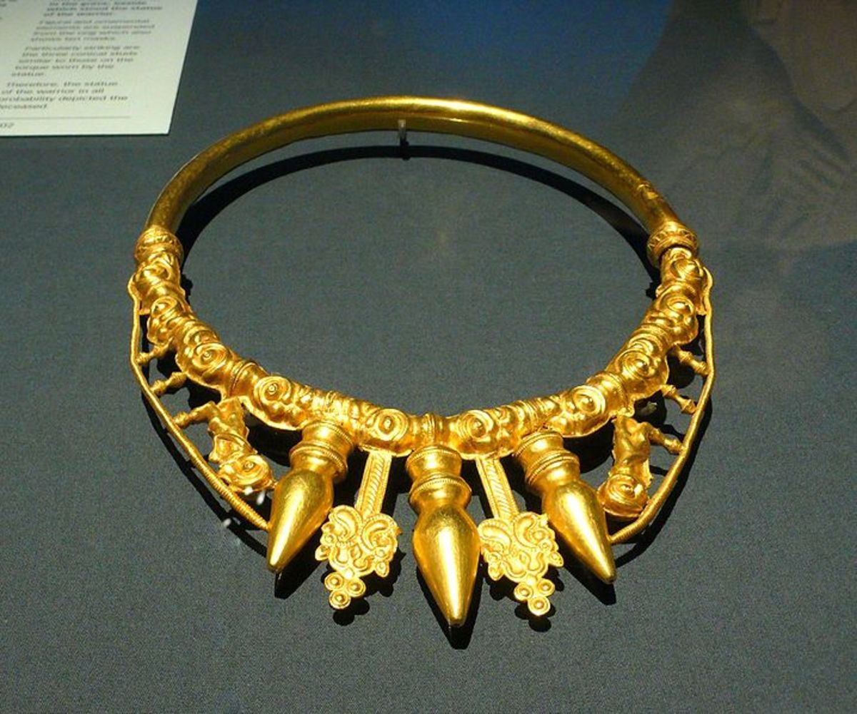 4th Century BC Torque. Source: Rosiemania - wikicommons.