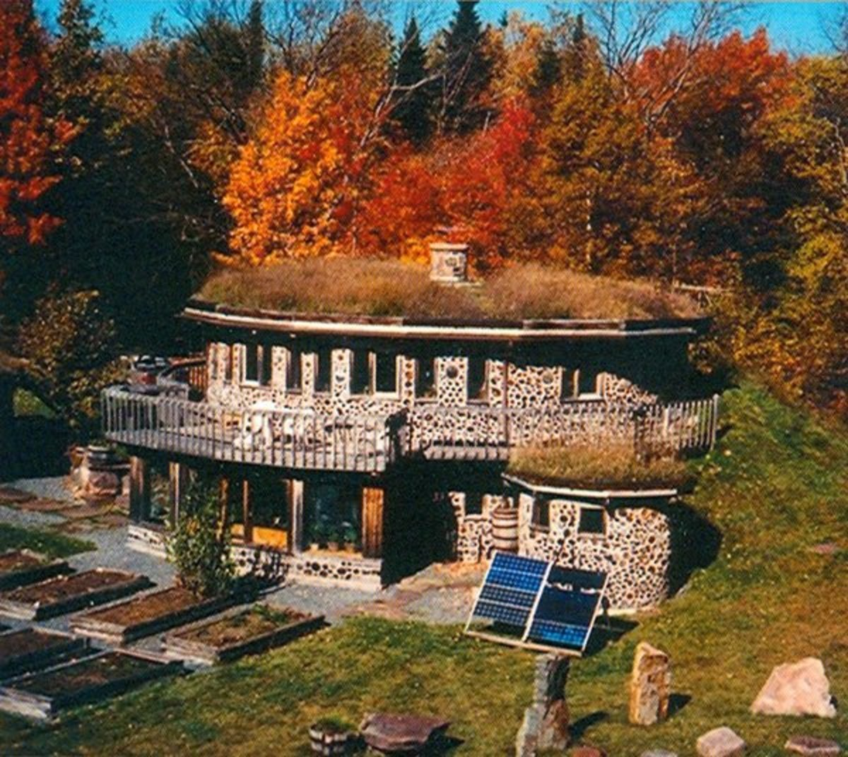 Eco friendly underground homes for Building earth sheltered homes