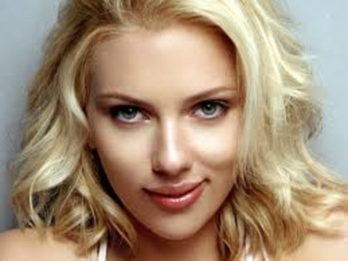 Scarlett Johanson.  Beautiful face.