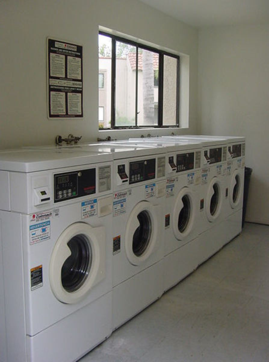 How to Kill Time at a Laundromat (20 things to do while waiting for your laundry)