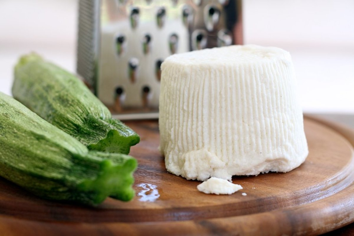 5 Mild, Crumbly Substitutes for Feta Cheese