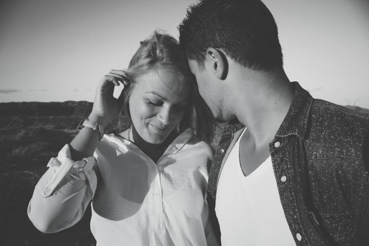 Men and women flirt by sending both conscious and subconscious signals to each other.
