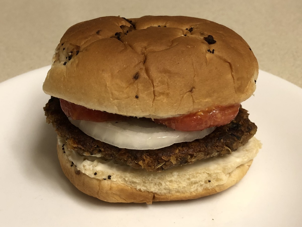 A vegan-friendly veggie burger: My finished product of the Blue Plate Diner classic.
