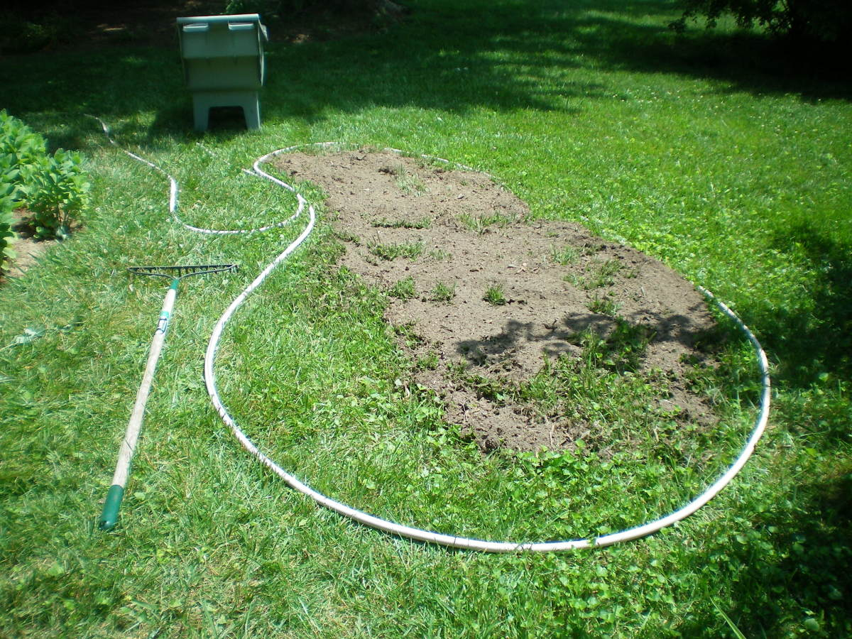 Designing a Garden the Easy Way with Only a Hose and a Rake