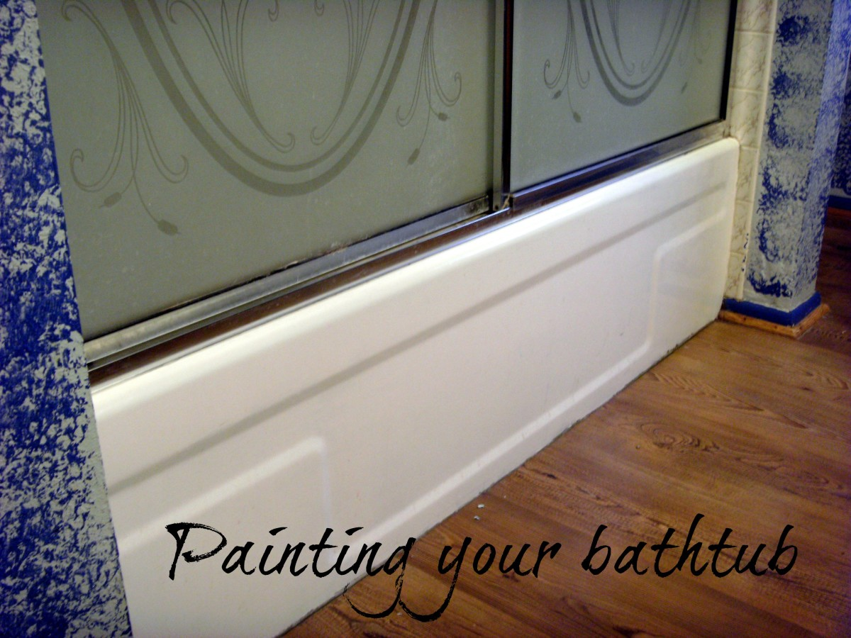 Yes, you can paint a tub.  This one used to be a 1970s avocado green.