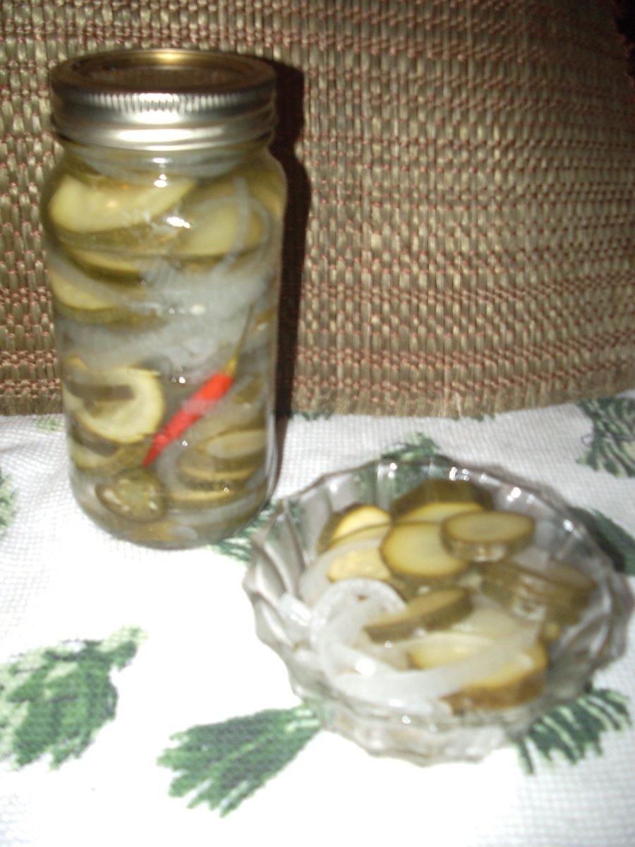 How to Make Crisp Zucchini Pickles