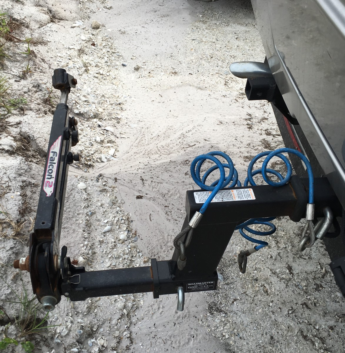 Towing Methods and Electrical Connections for an RV Towing a Car