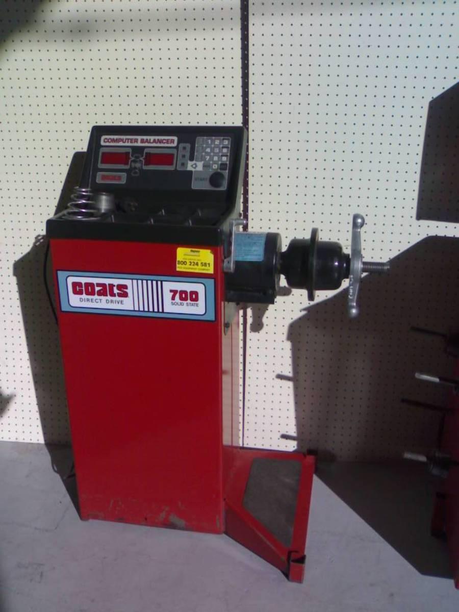 best new or used wheel balancers for your auto shop axleaddict rh axleaddict com