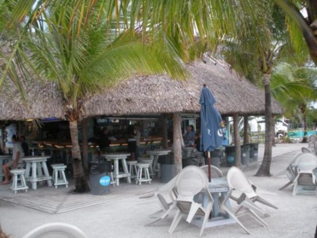 Top Three Outdoor FL Bars In Jupiter Florida With Live Music Entertainment