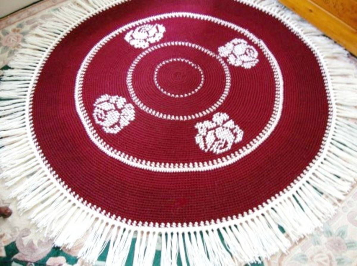 Crocheted Round Rug With Roses, Worked in Maroon and Cream Yarn