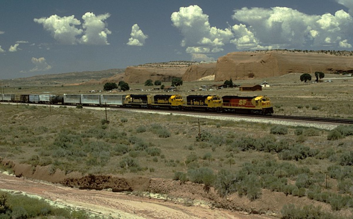 Santa Fe Railway trains on the Transcon in New Mexico Picture Gallery.