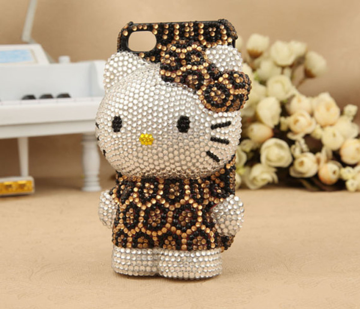3D Hello Kitty with Leopard Apparel iPhone and iPod Cover