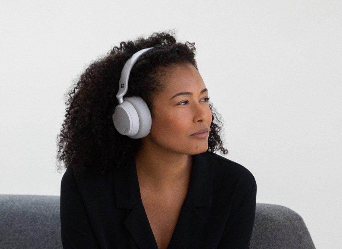 The Best Headphones: Surface Headphones 2+ Review