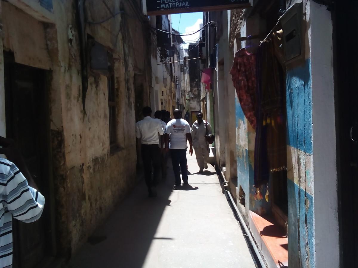A narrow Lamu street. Many streets are this narrow.