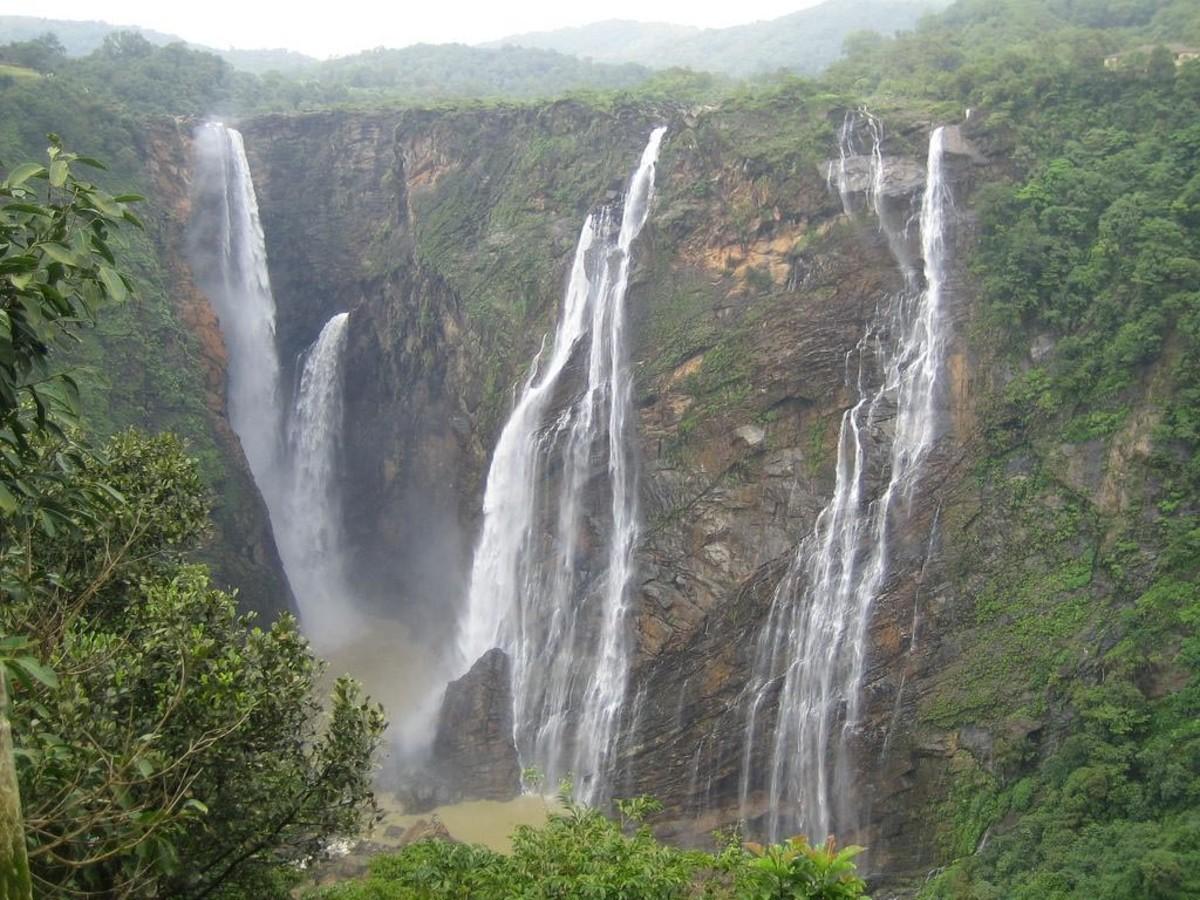 Silver Falls at Pachmarhi