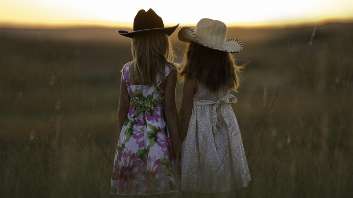 Hey Dear Sister, (sisters Love).