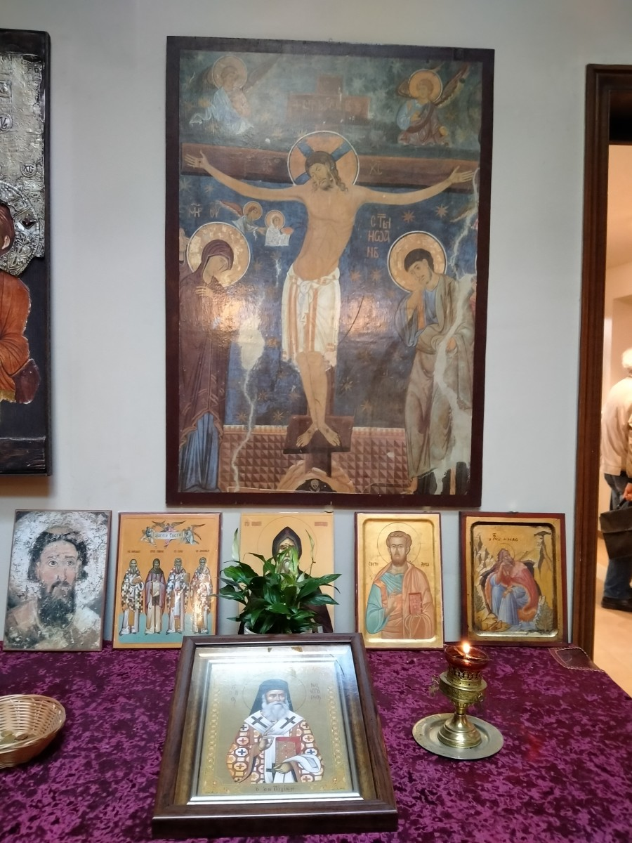 An interesting feature of all icons of Jesus Christ is that he draws me different visions, figures and symbols on his paintings, bringing sacred messages to me.