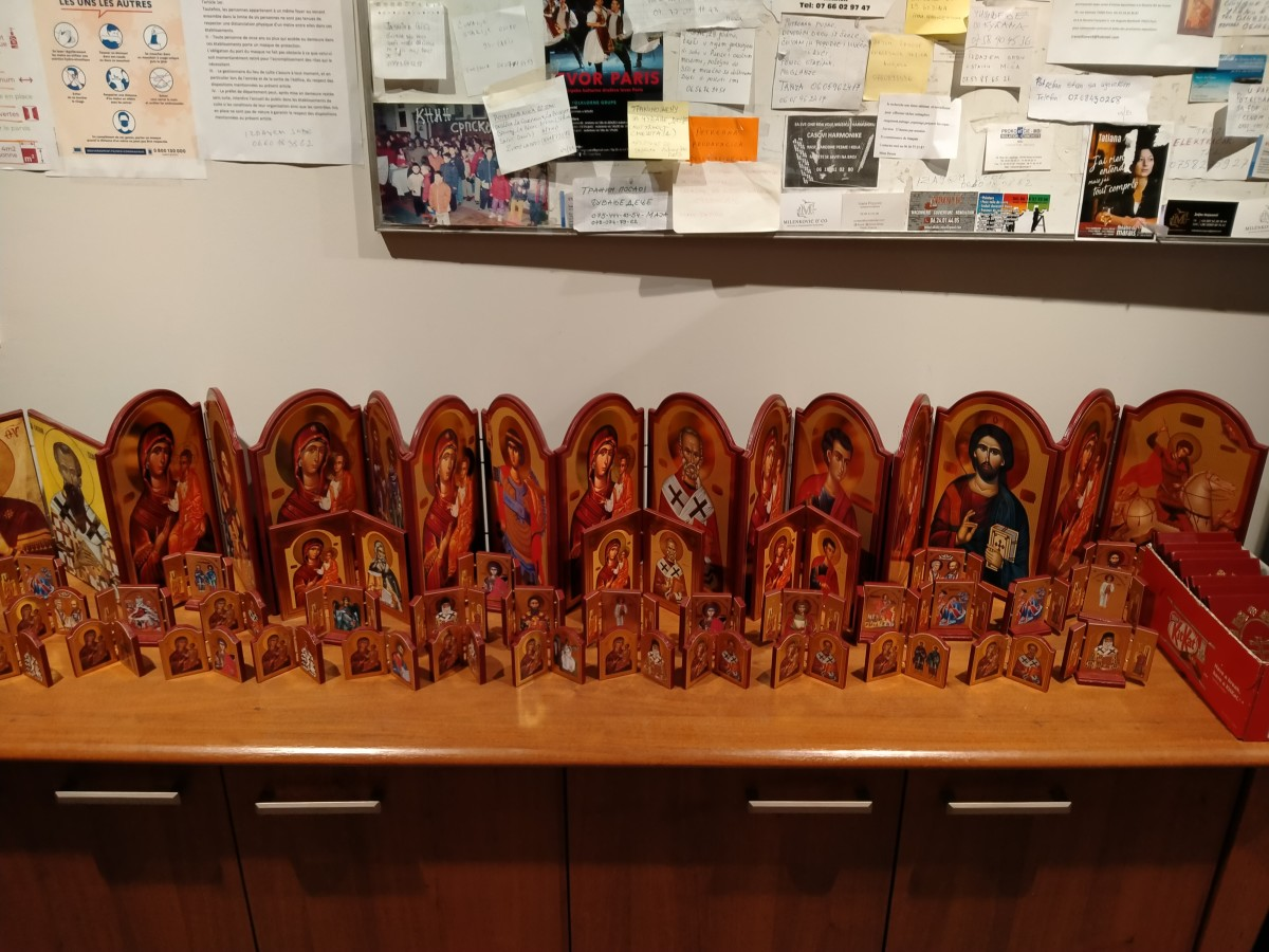 At times these small, hand-made, portable icons of Bogoroditsa talk to me, asking me to buy them. So strange!